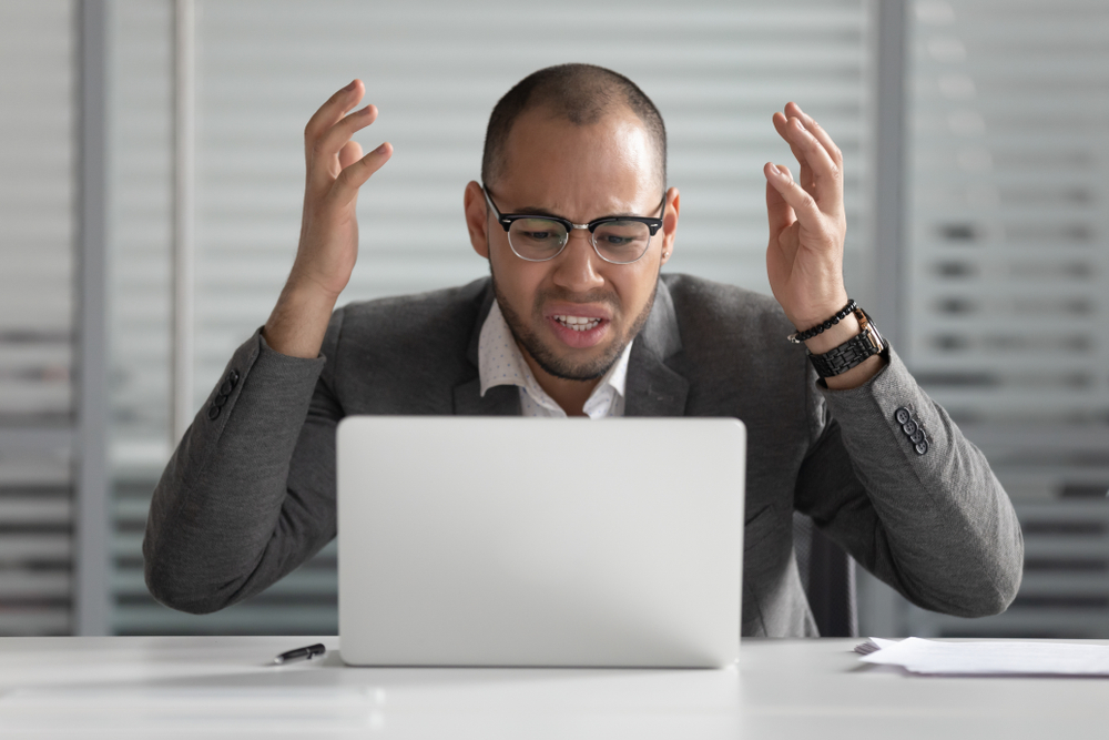 customer struggling to install software